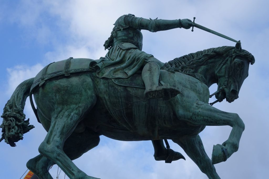 Photograph of the statue of Joan of Arc, place du Martroi in Orléans