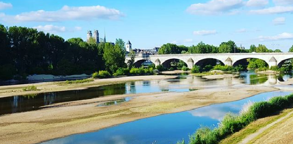 Photograph of the Loire, the river going through Orléans, the city of Joan of Arc