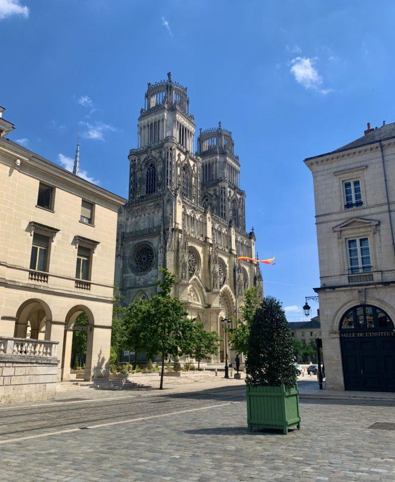 activités extérieures Orléans cathédrale sainte croix